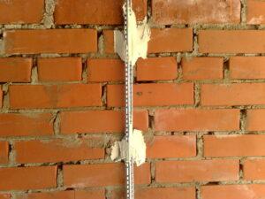 Как установить маячки на стену своими руками